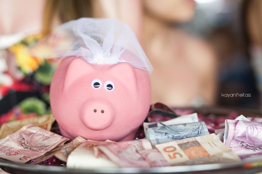 Resultado de imagem para noiva e dinheiro