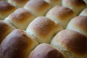 Christmas Traditions: Old-Fashioned Yeast Rolls