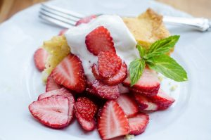 Summer Fruit Desserts: Cornmeal Skillet Cake