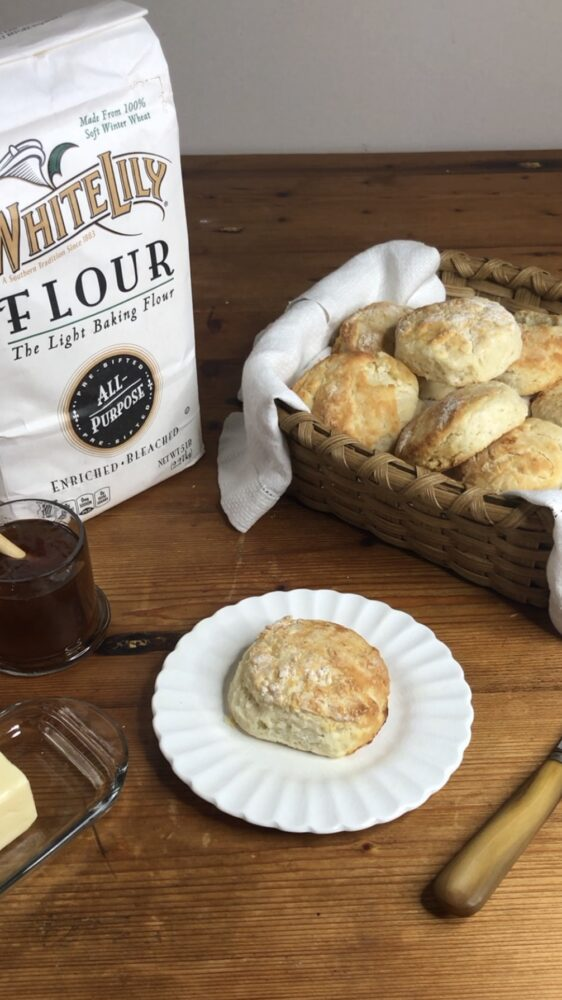 How to Make Buttermilk Biscuits