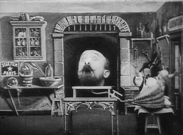 """Frammento da """"L'homme à la tête en caoutchouc"""", di George Méliès"""