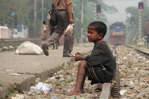 Bangladesh: il dramma dei bambini abbandonati