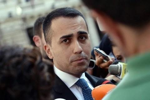 """Lo spread sfiora quota 280. Di Maio: """"Non ci facciamo ricattare dal mercato"""""""
