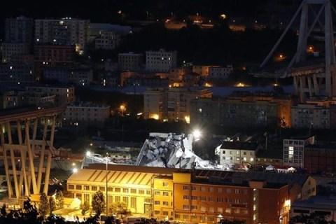 Genova, crolla ponte sull'A10: 35 morti, tra cui un bambino. Le ricerche proseguono a oltranza: potrebbero esserci dei vivi sotto le macerie