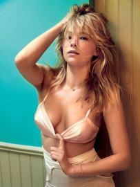 Haley-Bennett-cleavage-pics