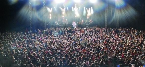 Ανακοινώθηκε το πρόγραμμα του φεστιβάλ «Στη σκιά των βράχων 2013»
