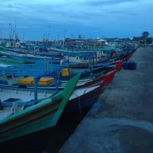 perahu-perahu pasar