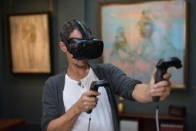 Jonathan Yeo using Google's Tilt Brush