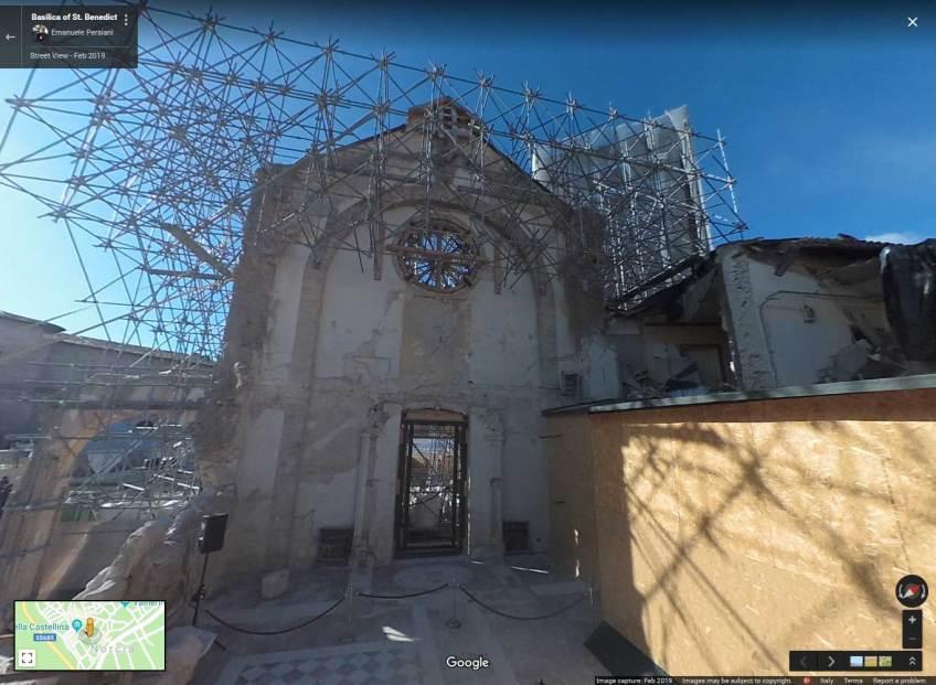 interno e rovine basilica di san benedetto a Norcia