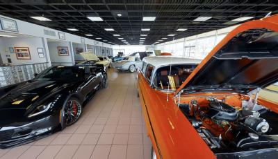 360° 3D VR Bill Kay Corvette and Classic Cars