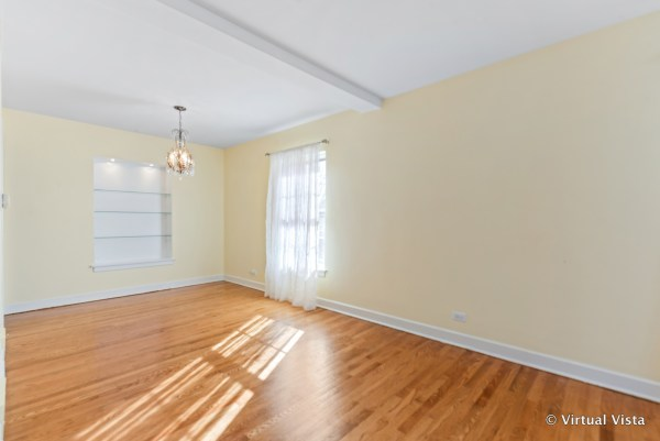 dining room before virtual staging