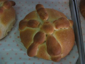 Easy recipe for pan de muerto day of the dead bread
