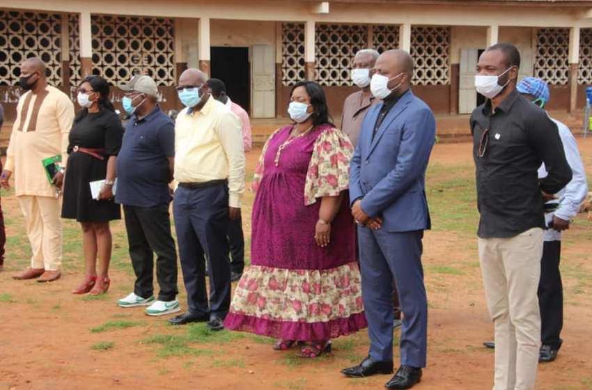 Le Maire Charlemagne N. YANKOTY constate l'effectivité de la rentrée Scolaire 2020-2021 à Porto-Novo