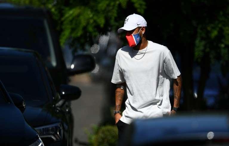 Neymar va signer avec Puma, selon la presse brésilienne