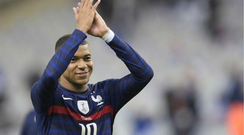 Equipe de France: Mbappé, c'est (toujours) monstrueux
