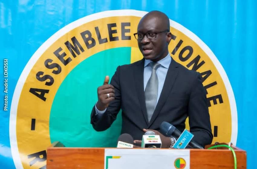 Conférence de presse du Porte-parole de l'Assemblée nationale: James William Gbaguidi fait le tour d'horizon des grandes réformes sous la gouvernance Vlavonou