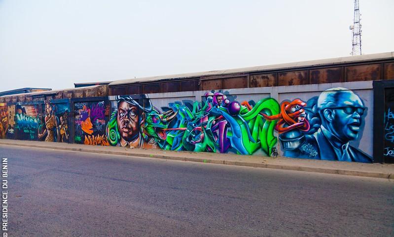 Bénin/Art: Cotonou abrite le 3ème plus long mur graffé du monde, le 1er en Afrique