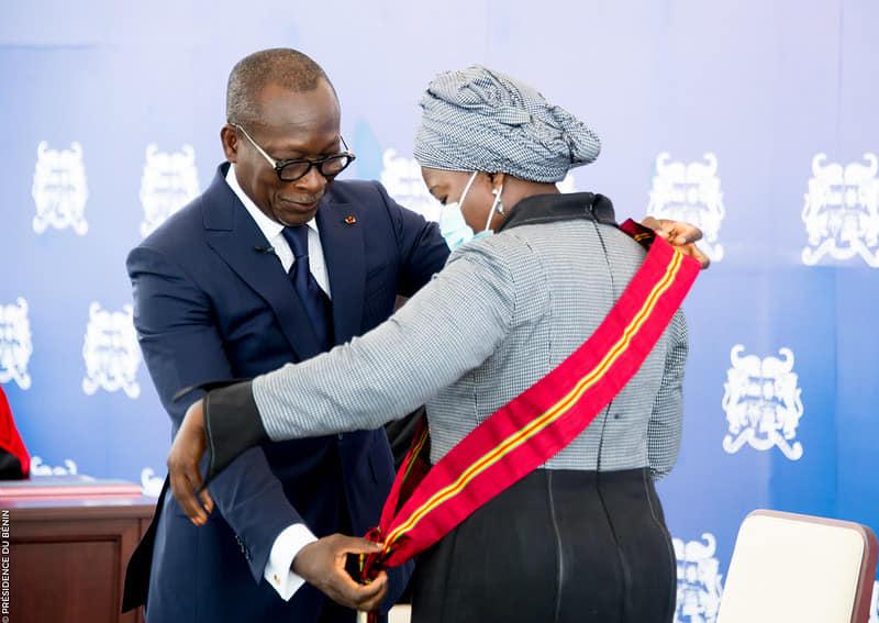 Mariam Chabi Talata épouse Zimé Yérima , Vice Présidente de la République et Grand Chancelier de l'Ordre National du Bénin
