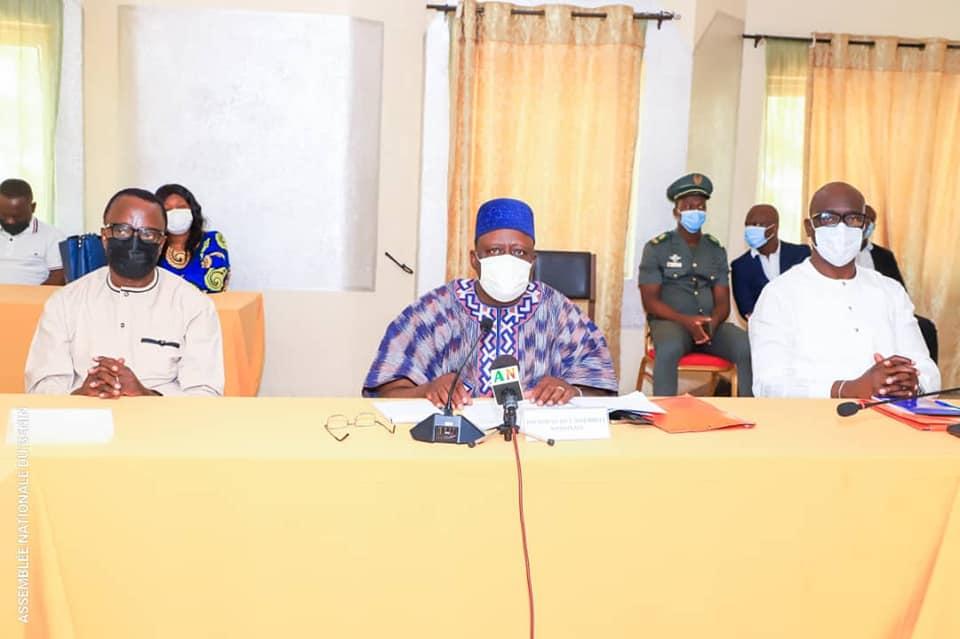 Assemblée Nationale du Bénin /8ème législature : Pour une plus grande performance de l'administration parlementaire, l'Avant-Projet de décision portant AOF validé
