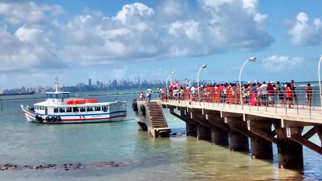 Travessia Salvador-Mar Grande tem fluxo tranquilo, mas faz parada das 9h às 13h