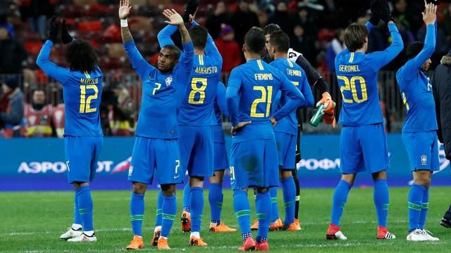 Brasil vence a Costa Rica por 2x0