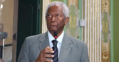 Edvaldo Brito é homenageado em tributo a Mandela