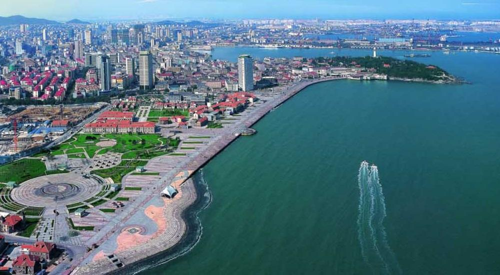 Relying on its geological advantages, good natural environment and cultural legacies, Yantai has great potential to develop its marine tourism, local officials said.