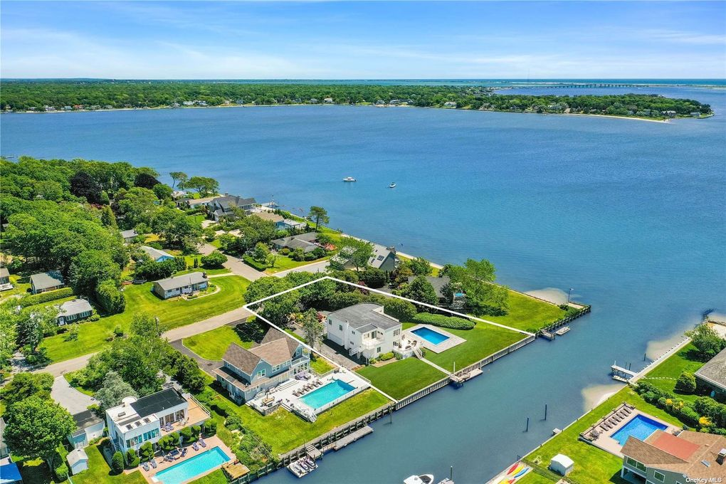 At an average rate of $432 for the cheapest available double room, East Hampton is leading the ranking. Only a few dollars less expensive are Montauk and Southampton, both also part of the Hamptons.