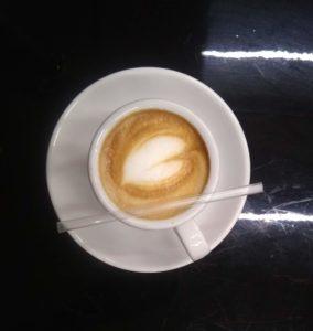 taza de café en aula café