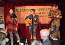 Trioen Ask fra Sørlandet har fått lysende kritikker