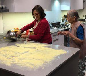 Spreading khaandvi under supervision