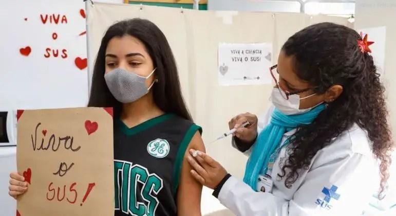 vacinacao adolescente covid 19 28082021143912489 Vision Art NEWS