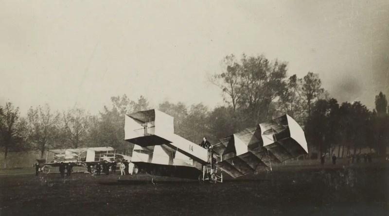 Há 115 anos, Santos Dumont fazia o primeiro voo registrado com o 14 bis