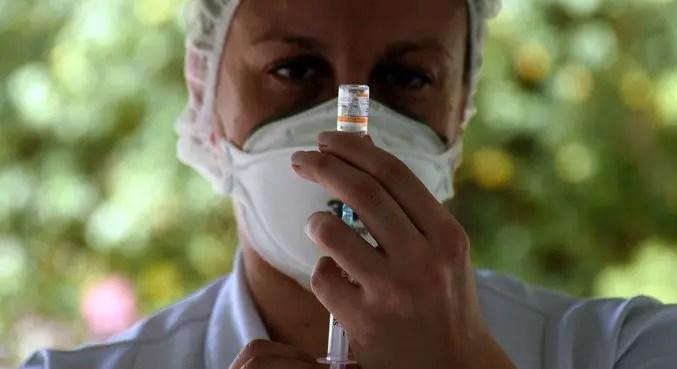 Covid: BH aplica 3ª dose em idosos de 68 e 69 anos. Veja mais capitais – Notícias