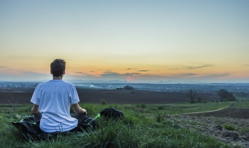 アウェアネスとは何か?心のストレスから解放される方法