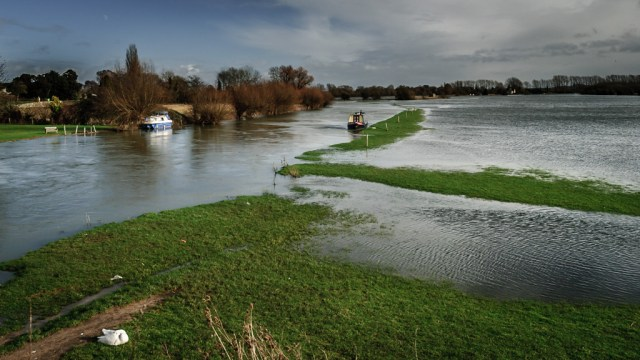 Thames Path, Lechlade