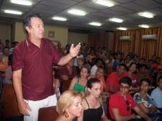 Al papel de la participación ciudadana en la toma de decisiones se refirió este investigador de la Universidad de Holguín. UHO FOTO/Luis Ernesto Ruiz Martínez.