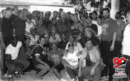 26-fidel-beisbol-marqueta-jun2002