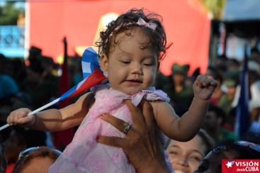 Esta preciosa bebita fue la más pequeña asistente al Acto por el 90 cumpleaños de Fidel celebrado en Birán el 13 de agosto de 2016. VDC-FOTO/Luis Ernesto Ruiz Martínez.