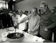 Fidel Castro Ruz con el Presidente de la Xunta de Galicia D. Manuel Fraga Iribarne.
