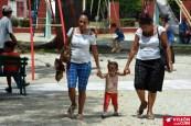 Los pequeños disfrutan de cada visita al Parque Infantil de la ciudad de Holguín, sobre todo cuando lo hacen acompañados de su familia. VDC FOTO/Luis Ernesto Ruiz Martínez.