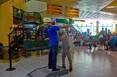 Controles de seguridad en el aeropuerto internacional Frank País, de la ciudad de Holguín, el 6 de septiembre de 2016, listo para operar próximamente vuelos regulares entre Cuba y los Estados Unidos de América. ACN FOTO/Juan Pablo CARRERAS/sdl