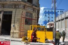 Se desarrollan labores constructivas en lo que será el Hotel Saratoga, ubicado en la intersección de las calles Martí y Maceo, de la ciudad de Holguín. VDC FOTO/Luis Ernesto Ruiz Martínez.