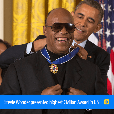 Stevie Wonder presented highest Civilian Award in U.S. Photo shows Barrack Obama presenting Stevie Wonder with the U.S. Presidential Medal of Freedom. Click to watch the presentation.