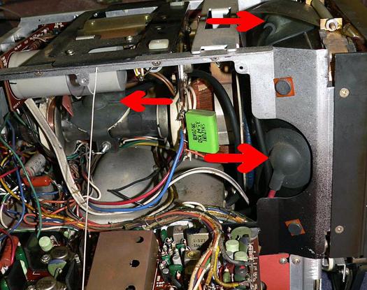 Sony KV 7010U inside 5