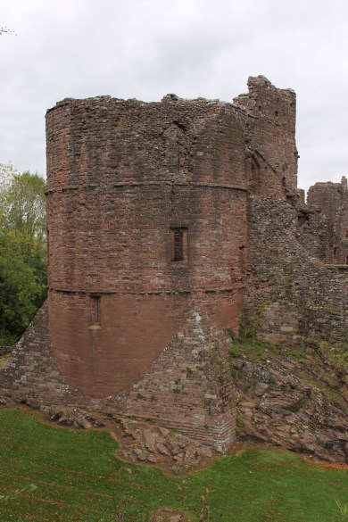 01-goodrich-castle-herefordshire-england