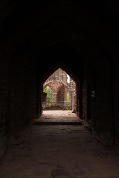 10-goodrich-castle-herefordshire-england