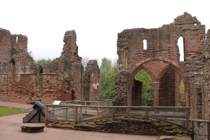 12-goodrich-castle-herefordshire-england