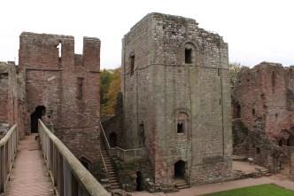 20-goodrich-castle-herefordshire-england