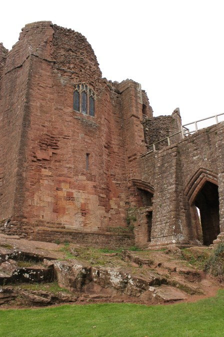 50-goodrich-castle-herefordshire-england